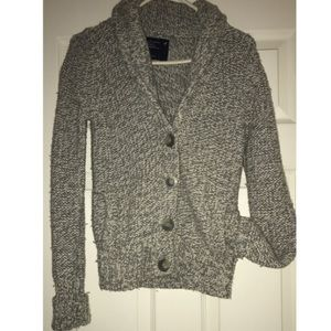 Knitted American Eagle Outfitters cardigan.